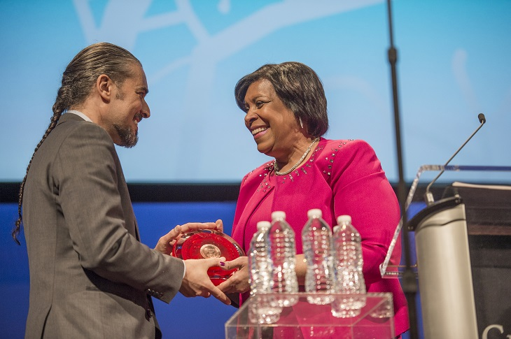 India Pierce Lee presents Homer C Wadsworth Award to Raymond Bobgan